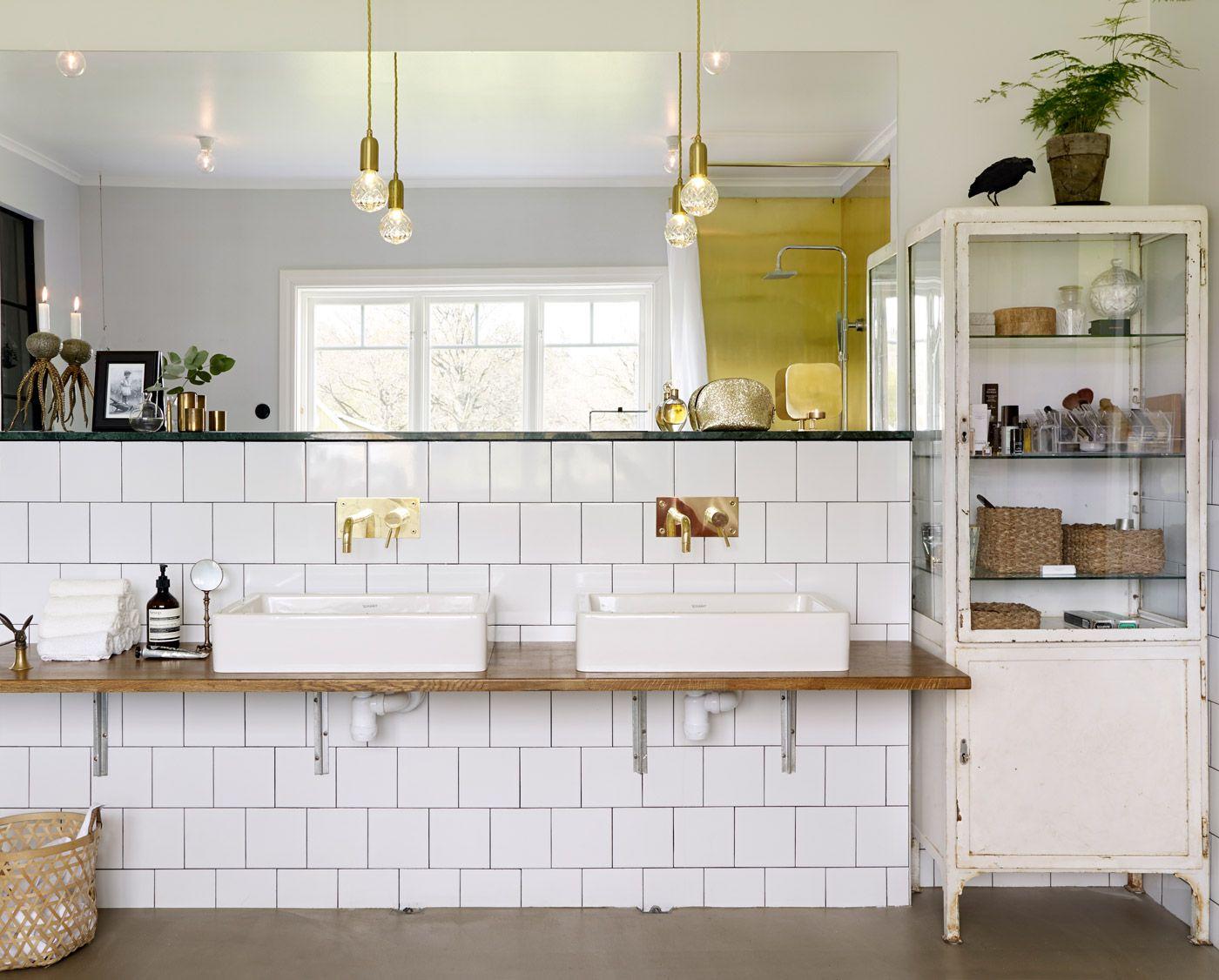 Hotellyxigt badrum u2013 badrumsinredning i mässing och grön marmor Bath room, Bath and Room