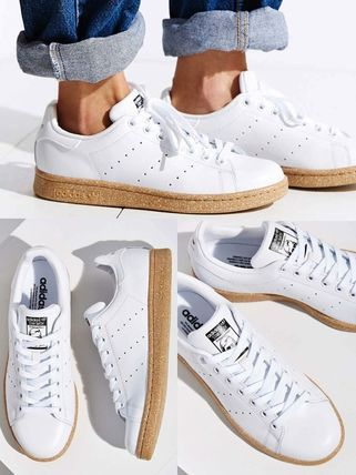 stan smith white with gum sole