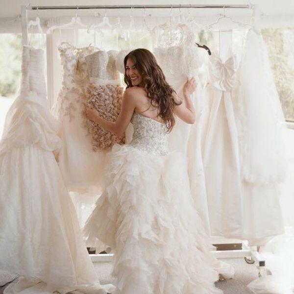 10 Fun & Flirty Reception Dresses