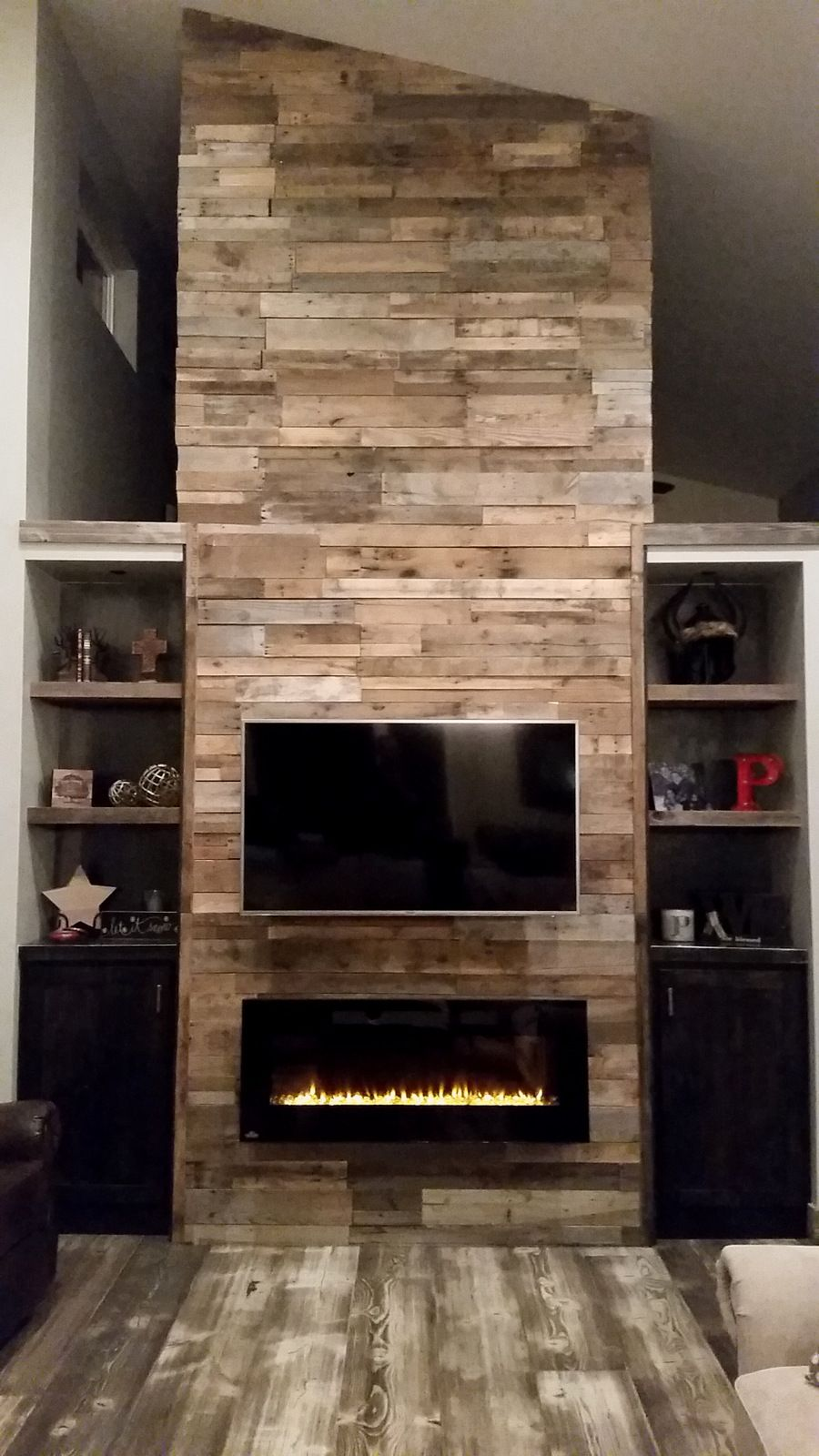 Pallet Wood Fireplace Reclaimed Wood Fireplace Rustic Fireplace Mantels Wood Fireplace