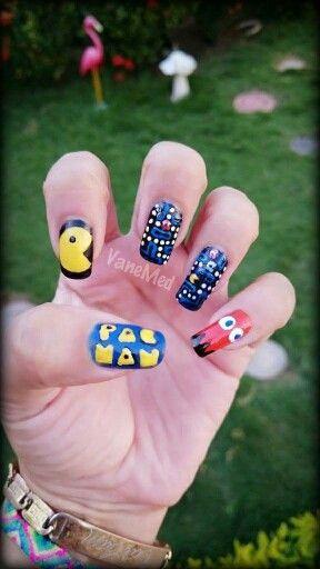 Mis Uitas Pacman Nail Art Gamer Nail Art Pinterest