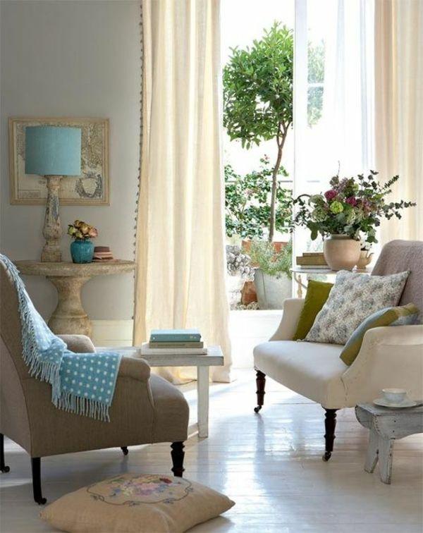 Farbbeispiele fürs Wohnzimmer - kräftige Farbgestaltung zu Hause