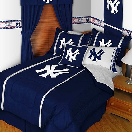 Room also new york yankees full queen comforter by sports coverage rh pinterest