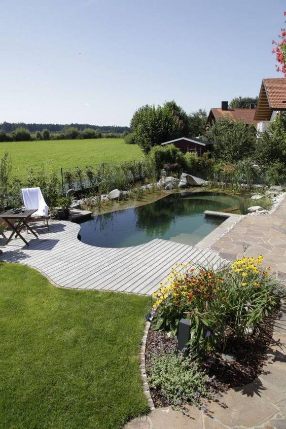 Schwimmteich selber bauen klein oval nat rliche for Design pool klein