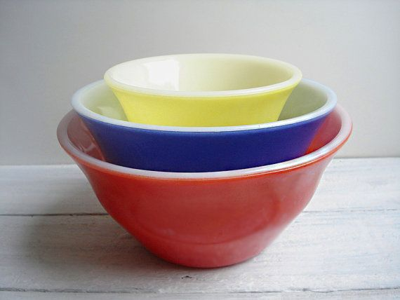 Vintage McKee Bell Mixing Bowl Set, Primary Colors Nesting