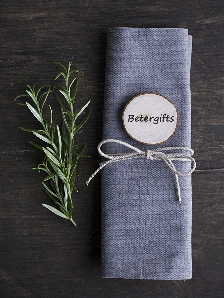 Diy rustic wedding party place card holder name tag