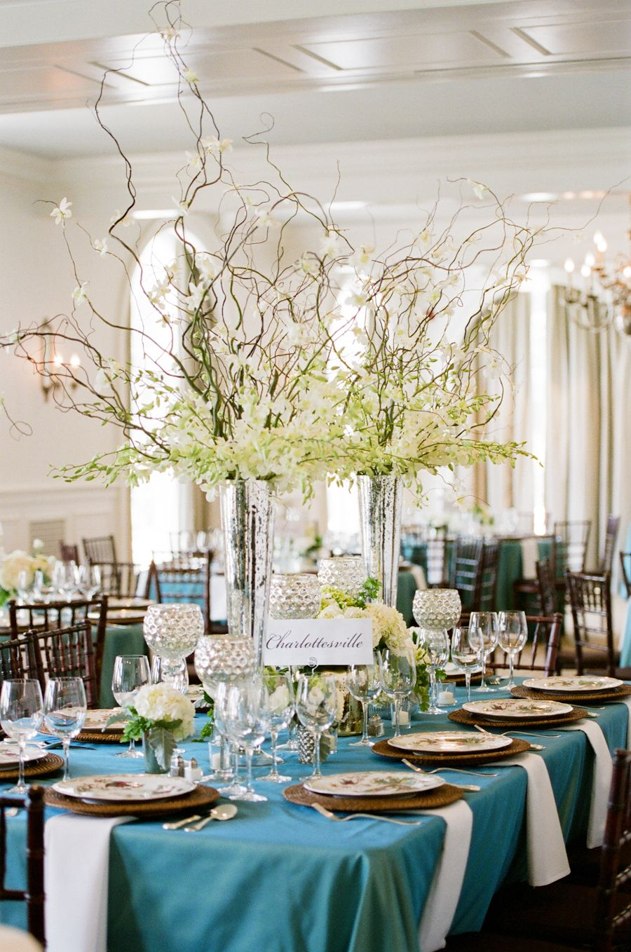 centerpieces at previous wedding at Keswick - what about navy linens ...