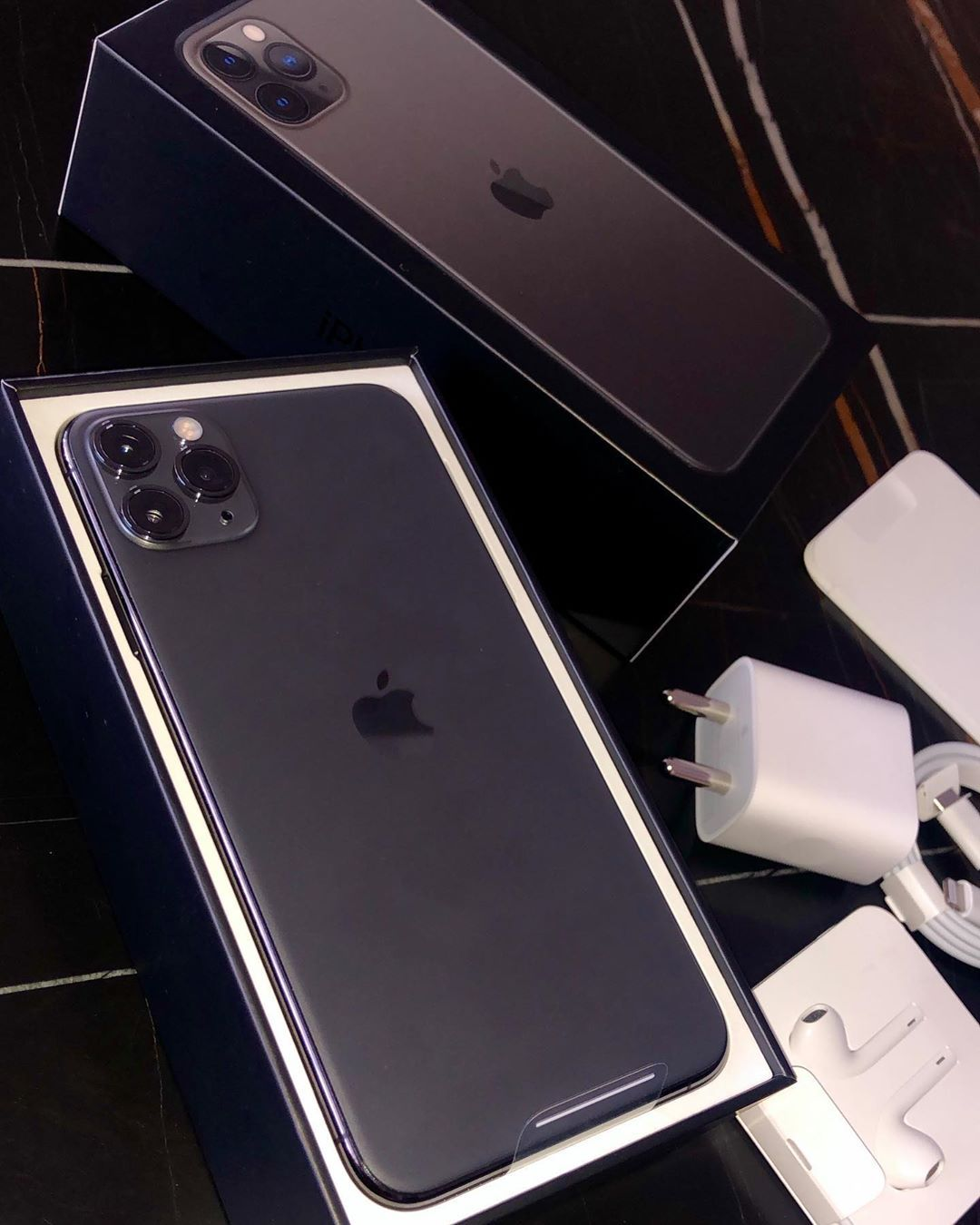 Iphone 11 Pro Max Space Gray Iphone Iphone11 Iphone11promax Apple Spacegray Unboxi Apple Iphone Accessories Apple Smartphone Iphone Phone Cases