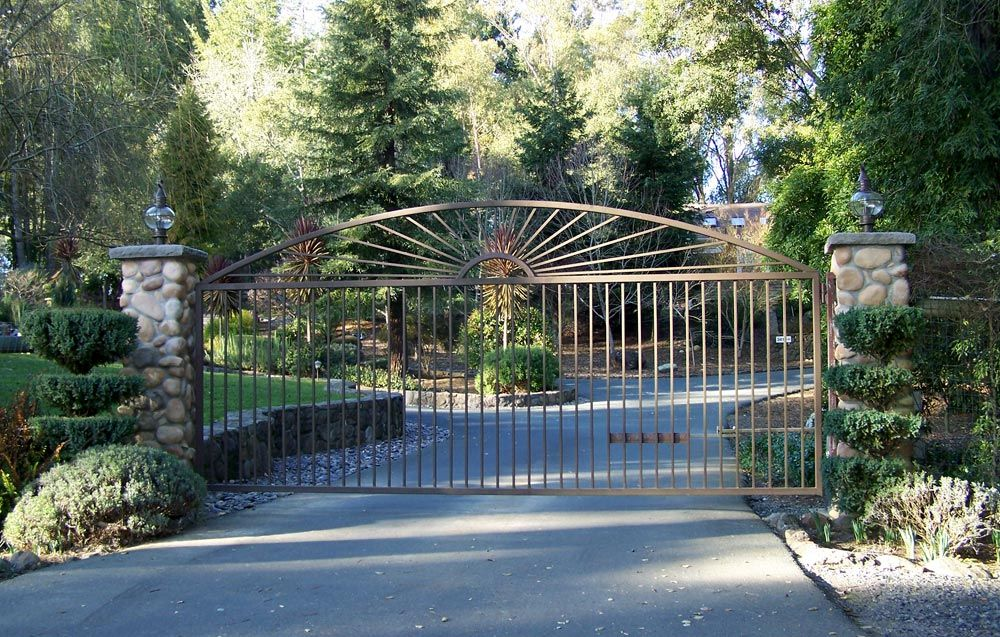Gate fence company residential commercial custom