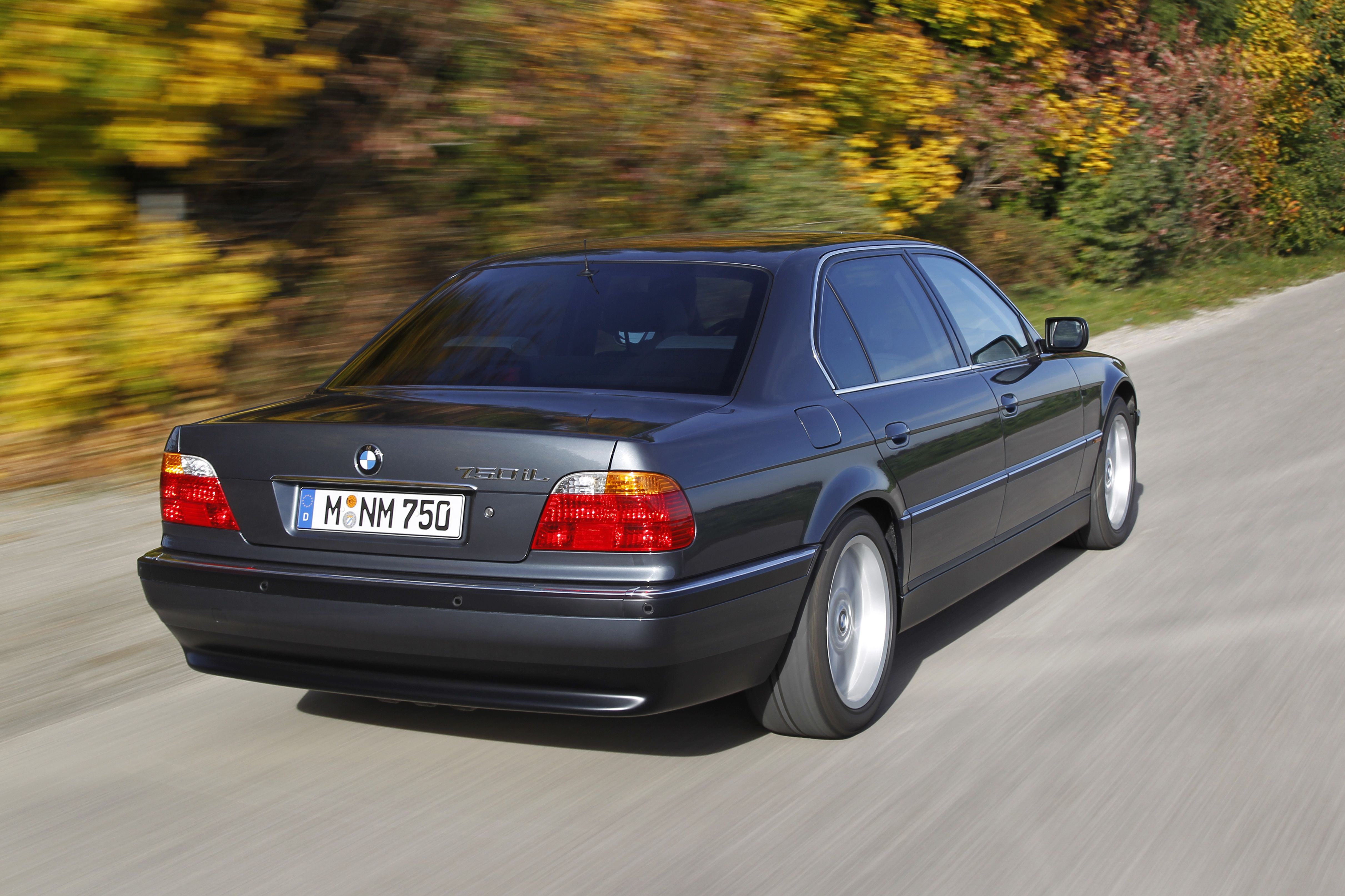BMW 750iL E38  25 years of BMW 12cylinder engines  Pinterest