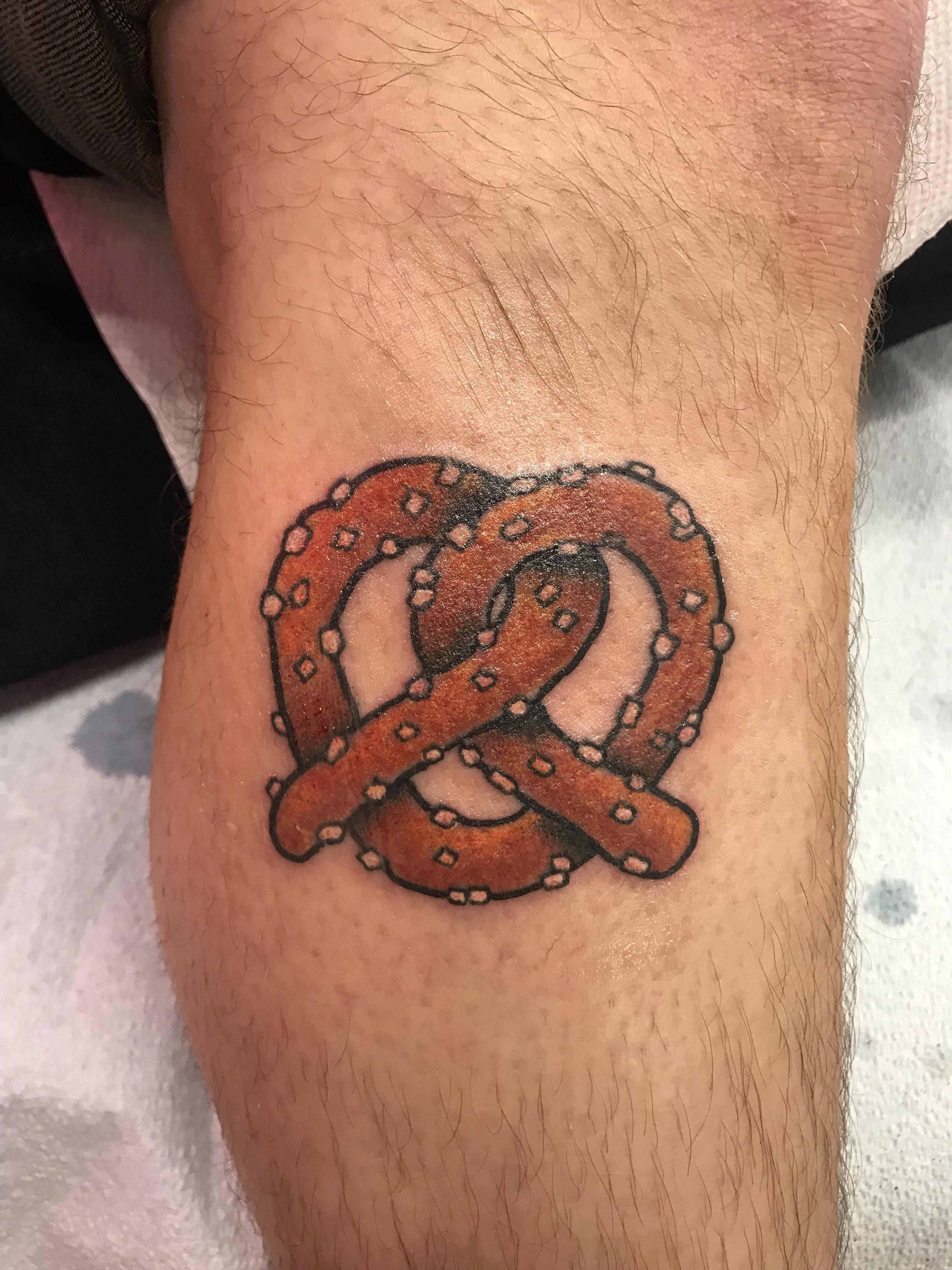 30 Pretzel Tattoo Ideas For Men – Salty Snack Designs