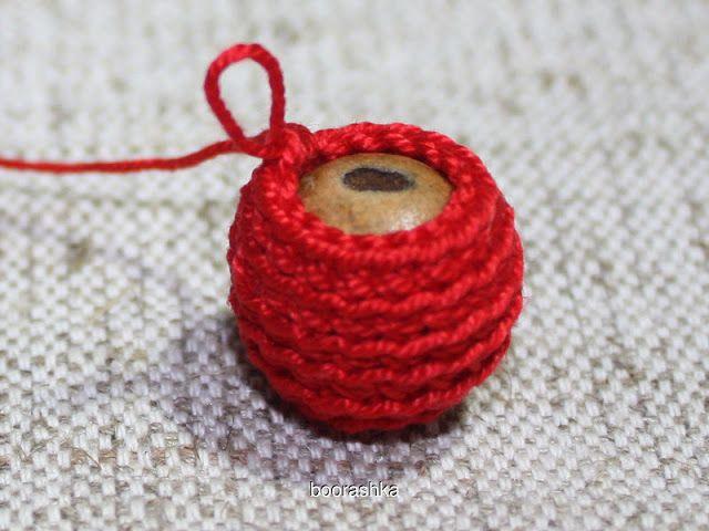 DIY crochet covered bead tutorial #crochet #handmade #diy #craft #bead #beads #beading #crocheting #necklace #jewelry