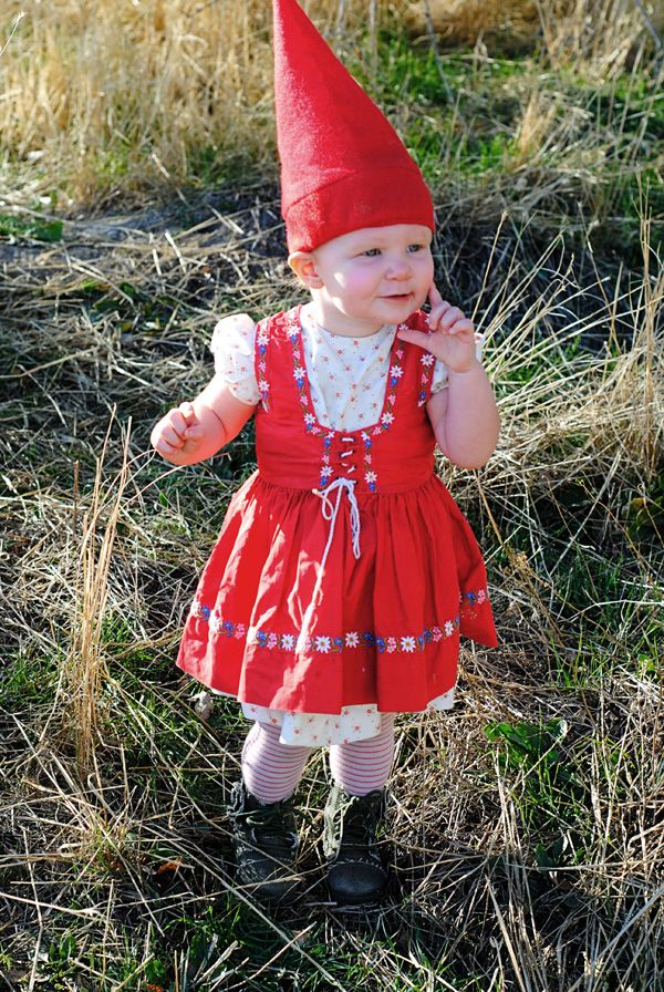 hart + sew | how to accessorize Buggyu0027s German costume  sc 1 st  Pinterest & hart + sew | how to accessorize Buggyu0027s German costume | boo ...
