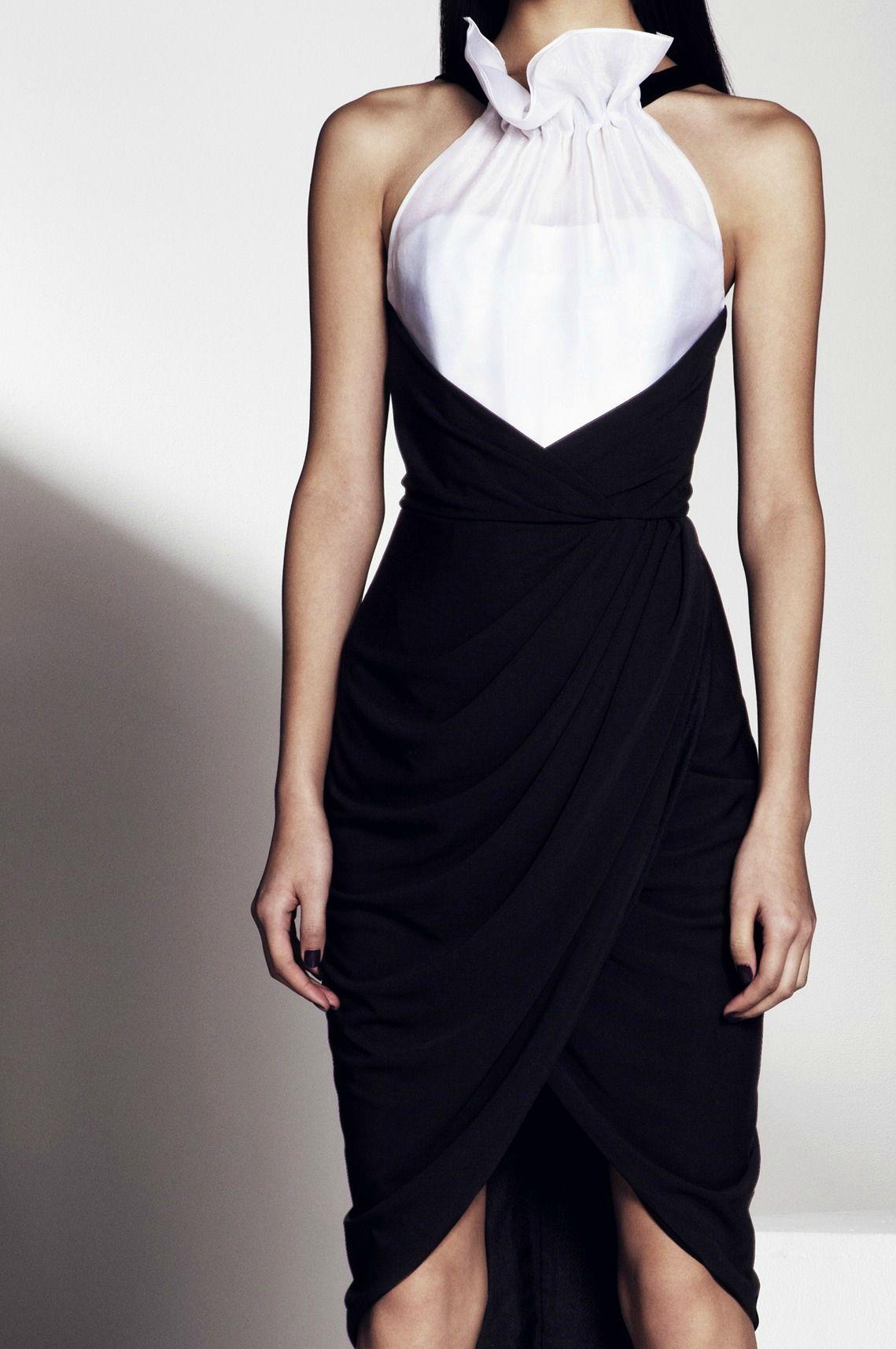 Black u white dres by prabal gurung i havenut quite seen a dress