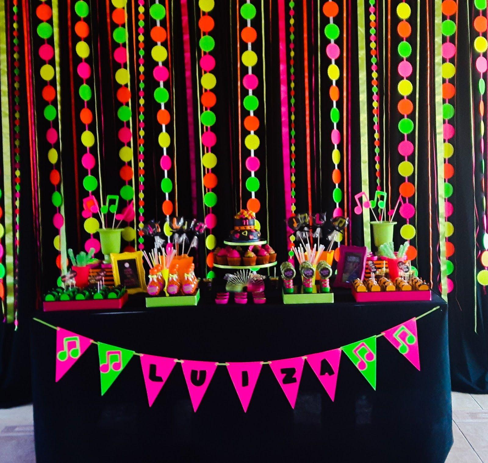decorando com arte lembrancinhas personalizadas baladinha neon neon party - Disco Party Decorations