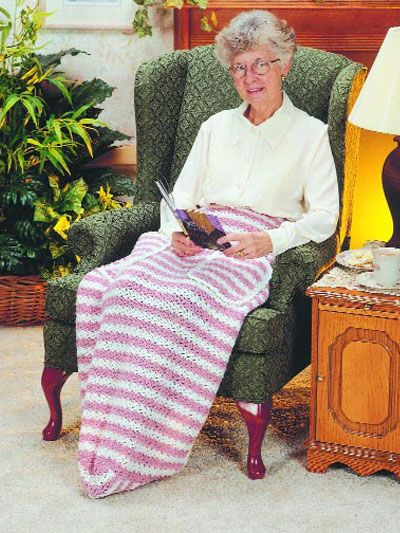 Deluxe Lap Robe Lap Afghan With Pockets For The Hands