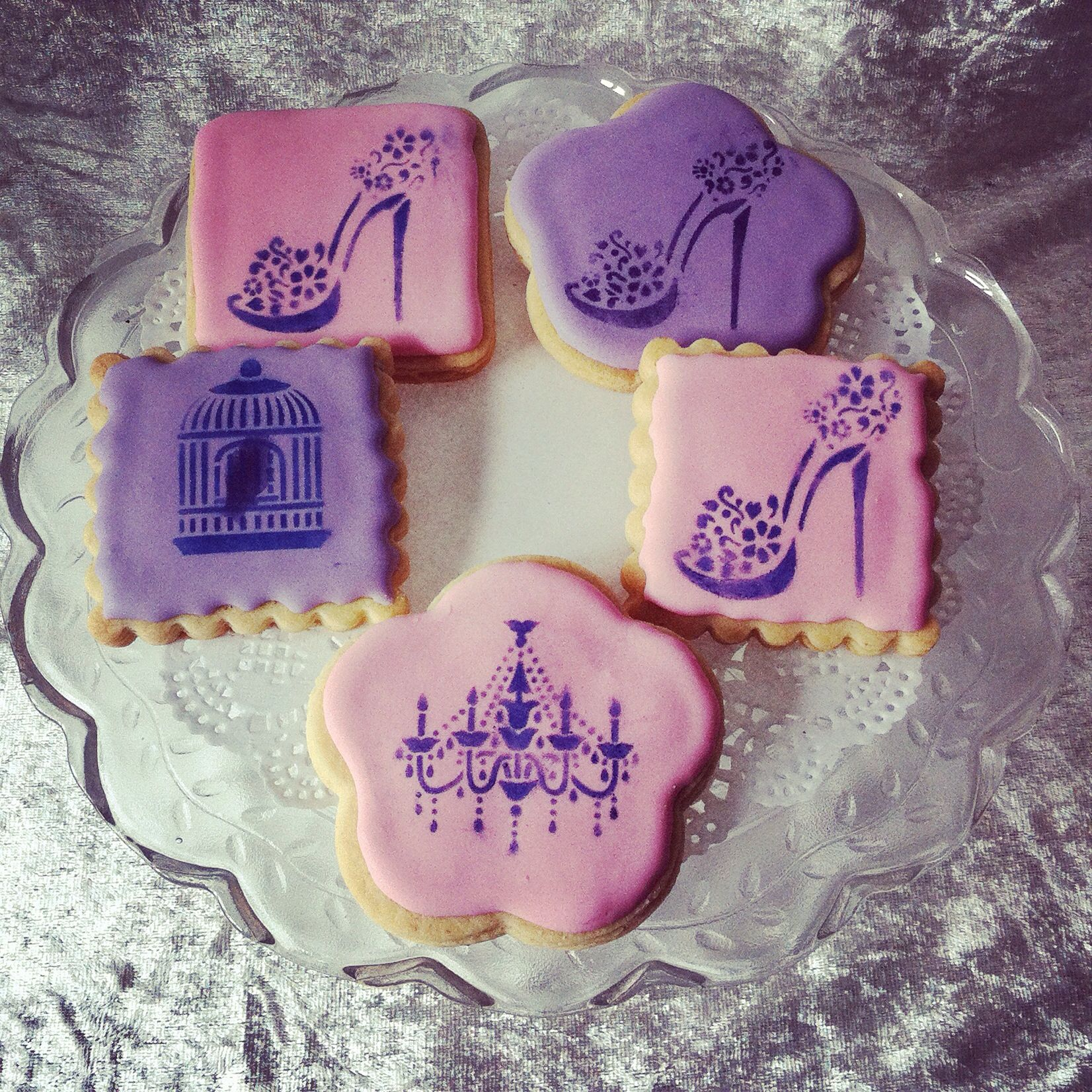 Cookies with Royal Icing and Stencils :)