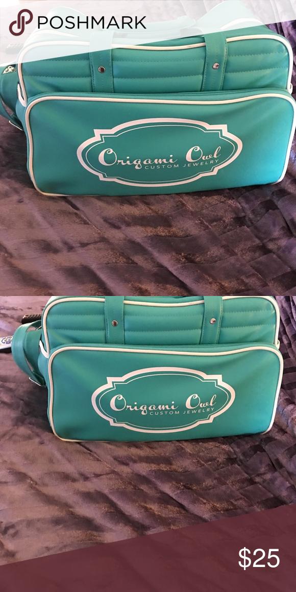 Origami Owl Weekender Travel Bag Used Only Twice Very Nice Bags