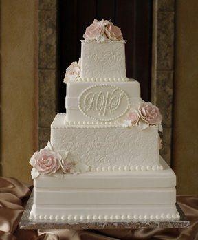Kuchen durch Creme de la Creme – Hochzeitstorte – Renton, WA – WeddingWire   – cake