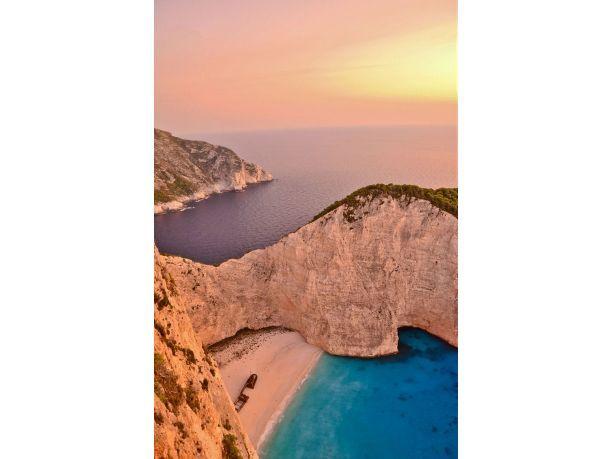 Le dieci #spiagge più belle del mondo: nella top ten anche i #mari italiani - 10° posto #Navagio, #Zante, #Grecia www.veraclasse.it/articoli/viaggi/itinerari/le-dieci-spiagge-pi-belle-al-mondo-nella-top-ten-anche-i-mari-italiani/10599/