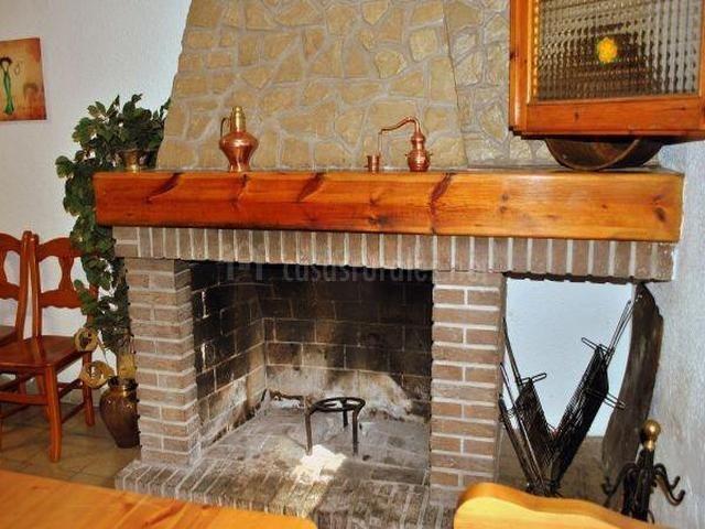 Preciosa chimenea de ladrillo visto hogares pinterest - Chimeneas de ladrillo visto ...