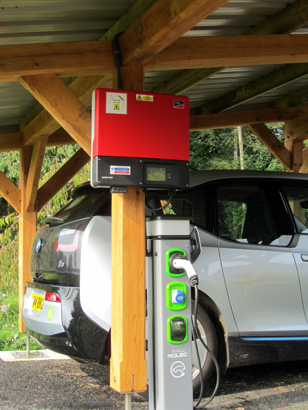 Wind & Sun Solar CarPort Photo 02 SMA Inverter and Rolec