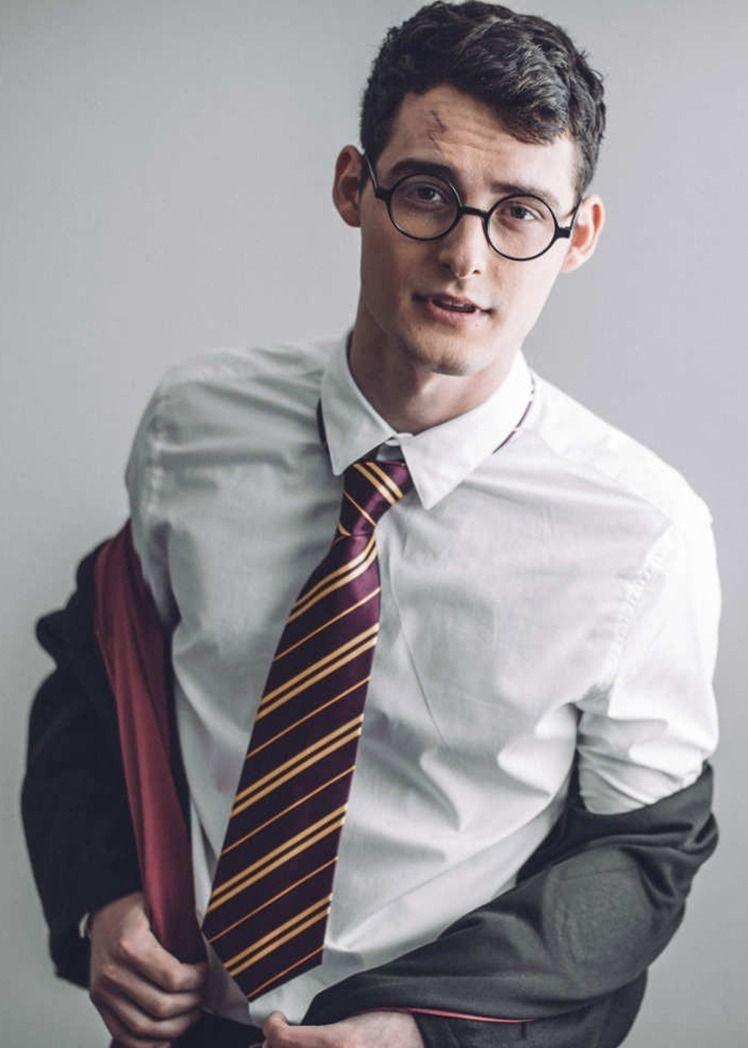 Zachary Howell como Harry Potter | pop nerd in 2019 | Harry potter