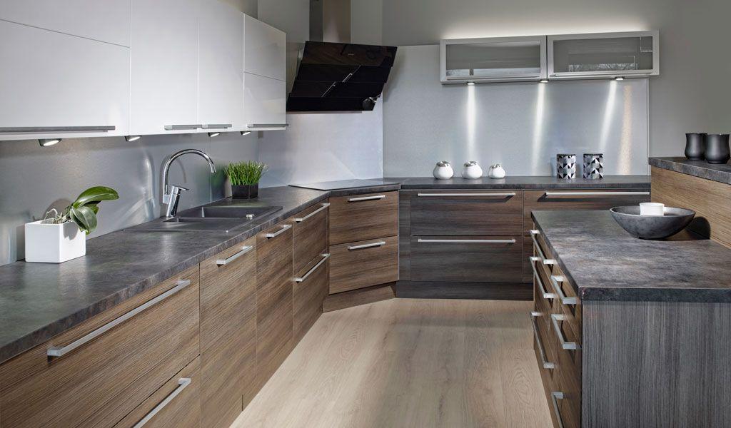 Alumiininen välitila keittiössä