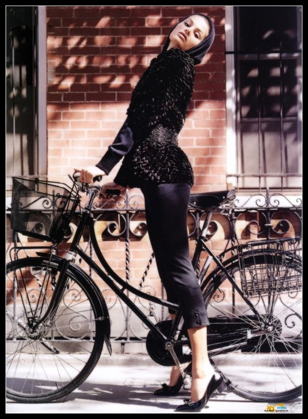 Super Model Isabeli Fontana with Bohemia Bicycle.