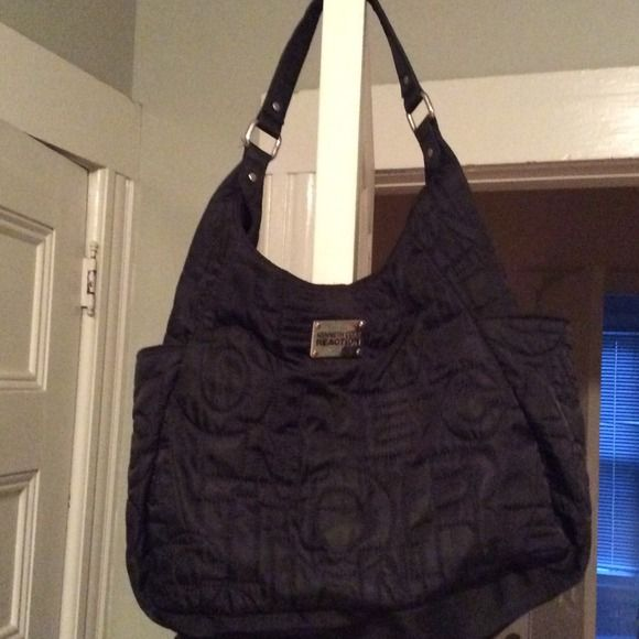 Handbag Kenneth Cole reaction quilted bag in black, magnetic close, used once Kenneth Cole Reaction Bags