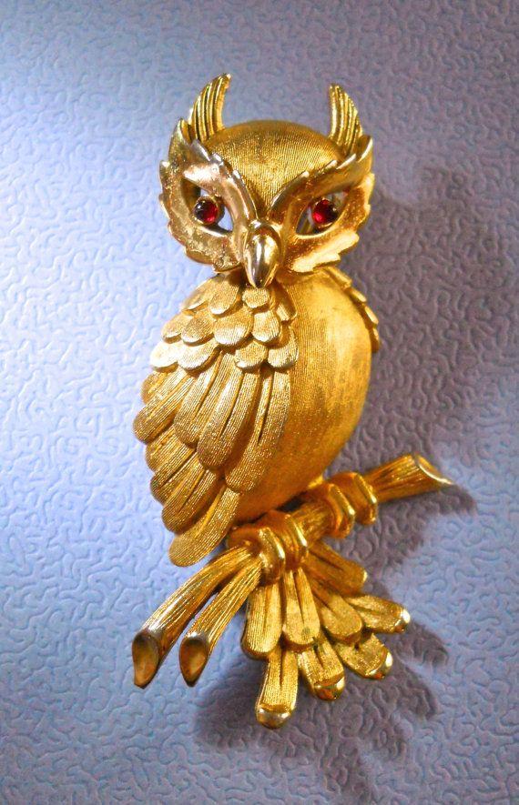 Trifari Owl Brooch Vintage Figural Gold