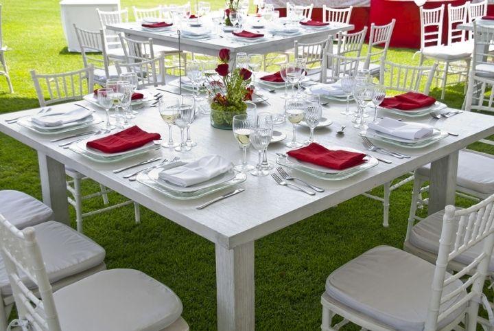 Mesa cuadrada con sillas tiffany bodas pinterest for Manteles de mesa cuadrada
