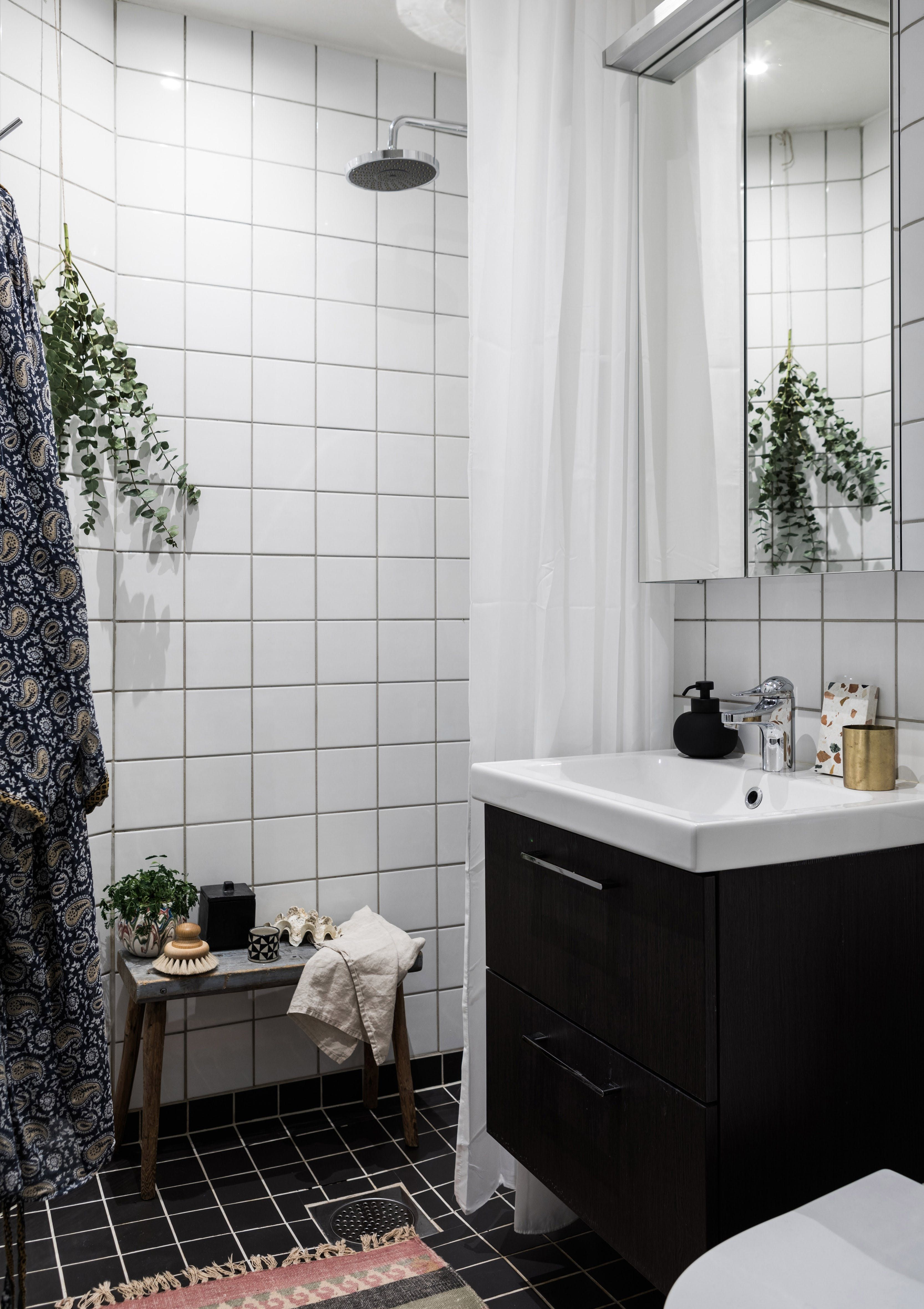 A 376-Square-Foot Swedish Studio\'s Stunning Remodel | Small shower ...