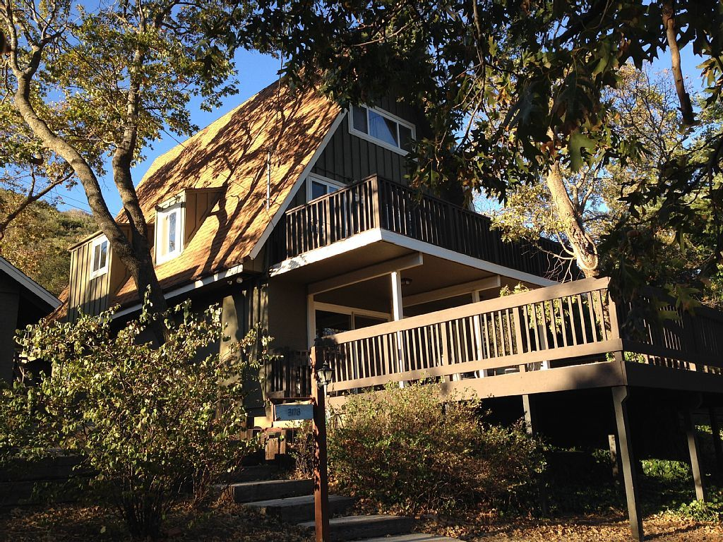 190 Night Julian Cabin Rental 3 Story A Frame Sleeps 10 2 Miles From Downtown Julian Kids And Dogs Welcome Homeaway Cabin Vacation Cabin Vacation