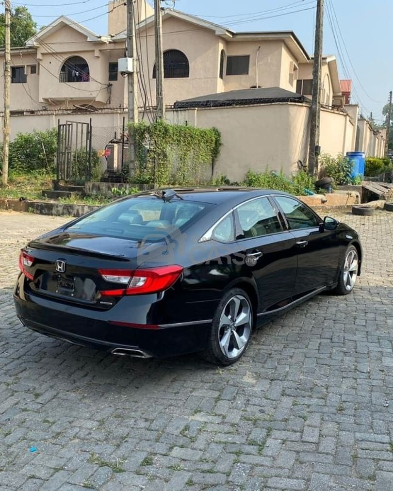 Looking to buy a 2018 Honda Accord? Check this out. Click