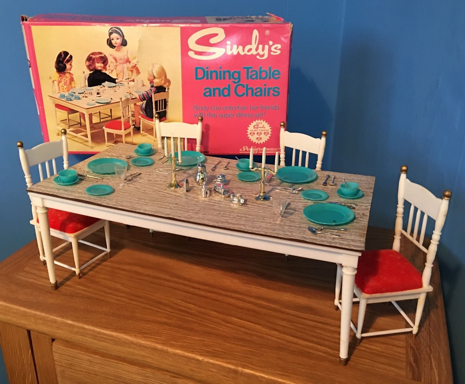 RARE VINTAGE 1960u0027s PEDIGREE SINDY DOLL ACCESSORY DINING TABLE AND CHAIRS  BOXED | 22.99+5.95