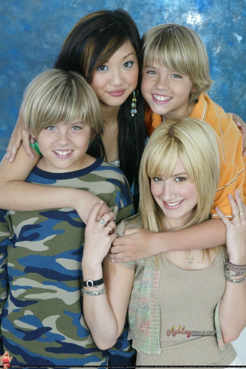 Cole and Dylan Sprouse with Brenda Song and Ashley Tisdale ...