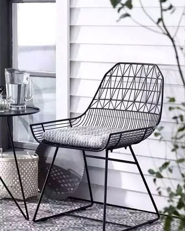 Outdoor Furniture Too Cool To Be Left Outside Shop All The Modern Utilitarian Pieces From Bend Seating Smart Farmhouse Chairs Outdoor Chairs Chair Design