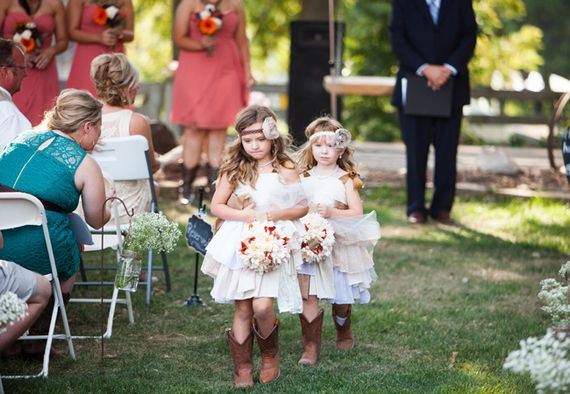 These flower girl outfits are too cute