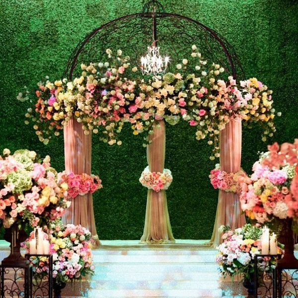 20 Eye-Catching Ideas For Your Wedding Ceremony Backdrop