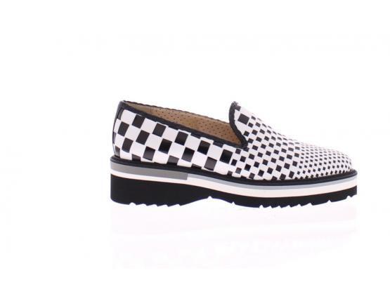 schoenenfabriek sale