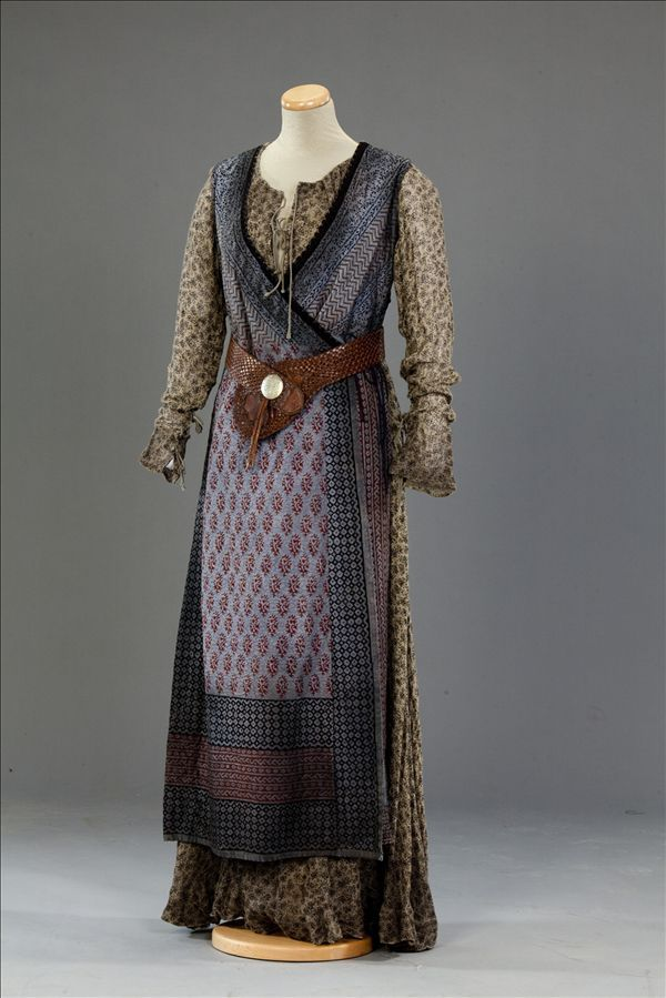 Don't know where I'd wear it, but it's pretty!  Mattie Wise's costume from World Without End