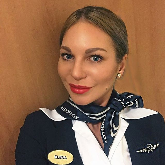 Instagram media elena_shchu - Weet niet de vlucht is mooier dan een favoriet in St. Petersburg 06:40 ❣den begint met nebes # pokoynamtolkosnitsya TRP #crewlife # # # nazaryadkustanovis nebonutye #butfirstcoffee # vliegtuig # Secondhome #stewardess # odinochestvovseti