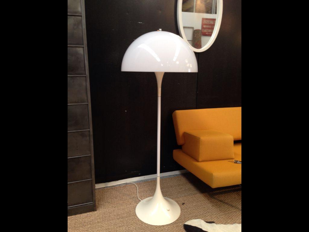 lampadaire seventies verner panton pour louis poulsen. Black Bedroom Furniture Sets. Home Design Ideas
