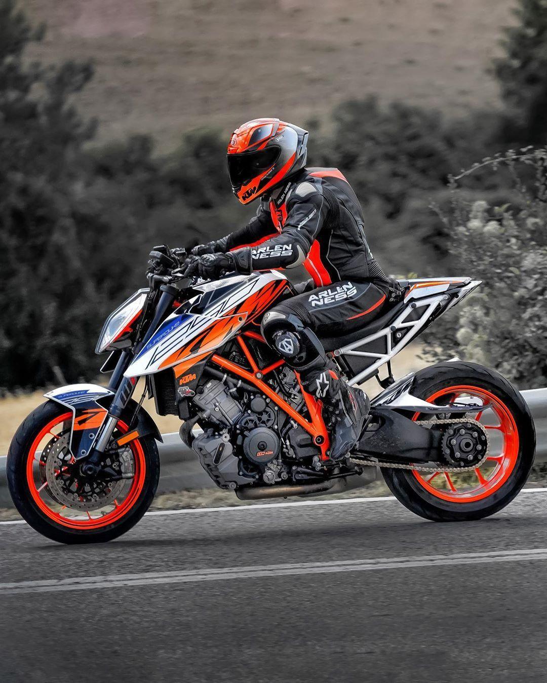 Image By Crimsoninferno On Biker Girlz In 2020 Motorcycle Bike