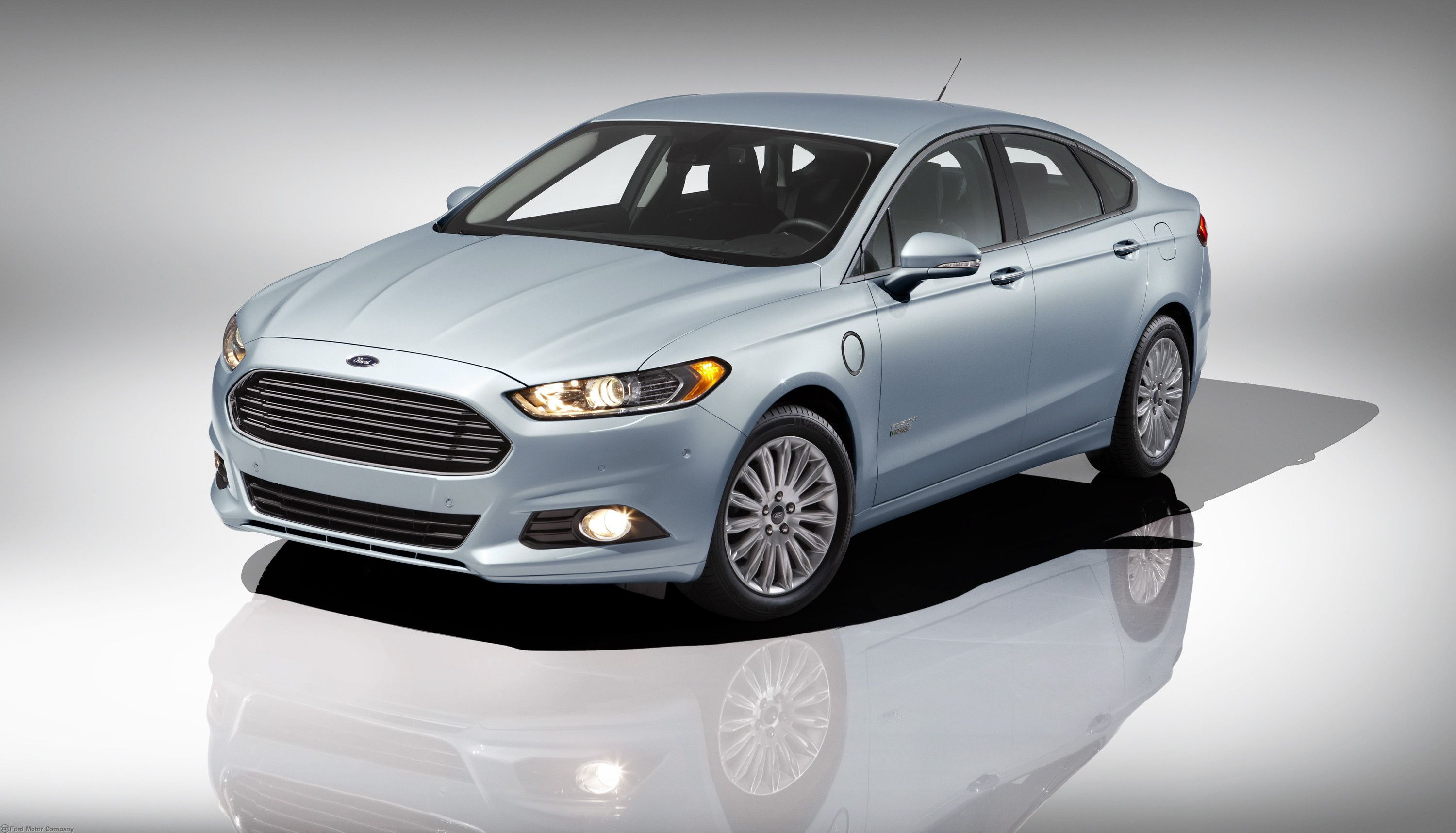 Ford Fusion Hybrid Best Everyday Ride Winner In The Viv Green