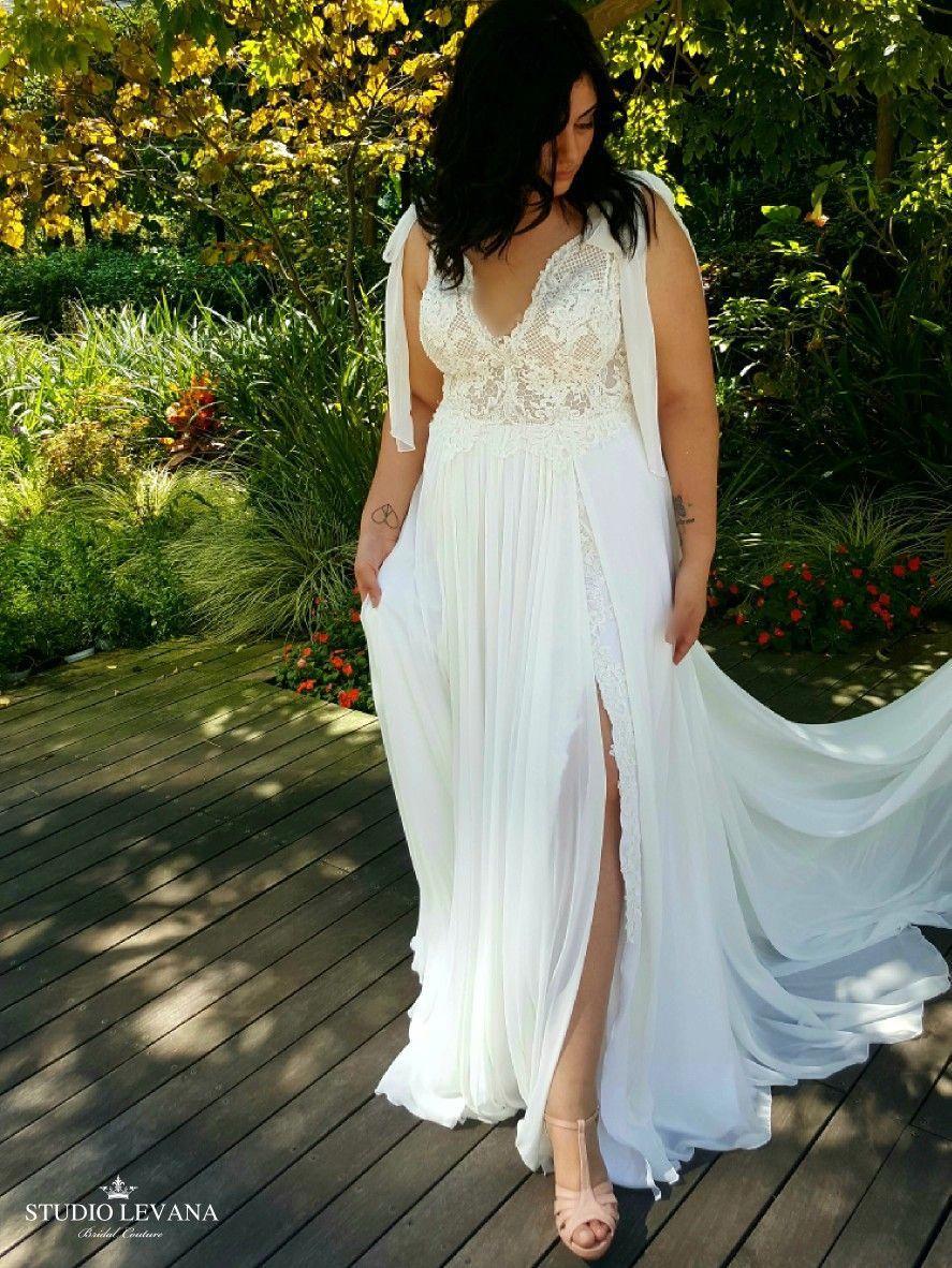 Plus Sized Wedding Dresses Ballgown Gift Ideas Plussizedweddingdressescasual Pagan Wedding Dresses Boho Wedding Dress Plus Size Wedding Gowns [ 1182 x 887 Pixel ]