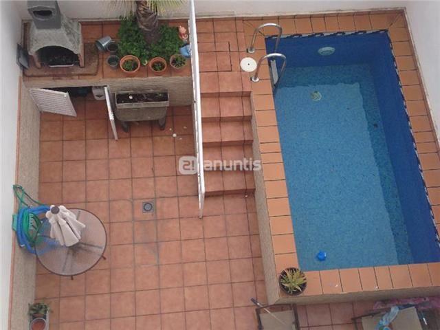 Adosado semi nuevo en ronda sur 200 m2 5 dormitorios 2 for Piscina 50 metros pontevedra