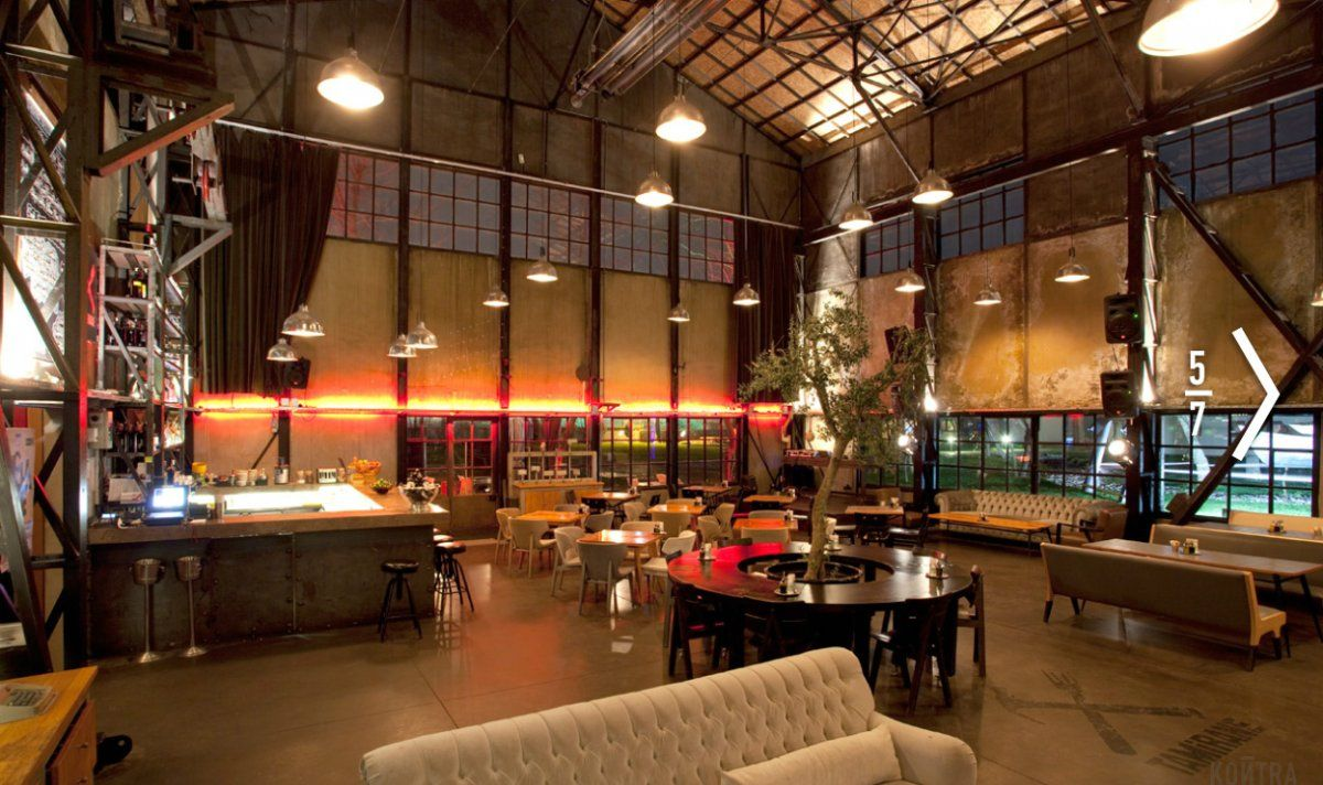 spacious rustic warehouse industrial cafe interior concept ideas dining room. Black Bedroom Furniture Sets. Home Design Ideas
