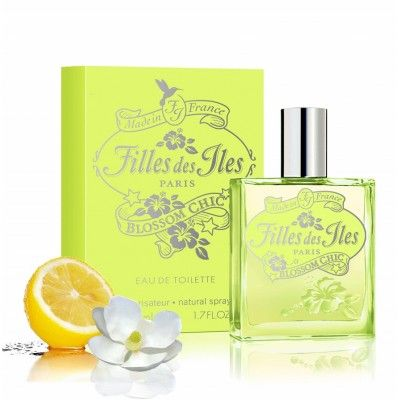 Filles des Iles Blossom Chic 50ml / 1.69 Fl. Oz. EDT. Blossom Chic is a sparkling citrus floral fragrance.  The beauty of simplicity of a gentle and delicate fresh floral composition around magnolia refreshed by a sparkling lemon zest and gin-fizz accords. A pure sunshine in the bottle, leaving on your skin a clean musky scent Top notes : pink baies, lemon, tiare flower Middle notes : white magnolia, gin-fizz, rose petals Base notes : amber, white musk, cedar wood